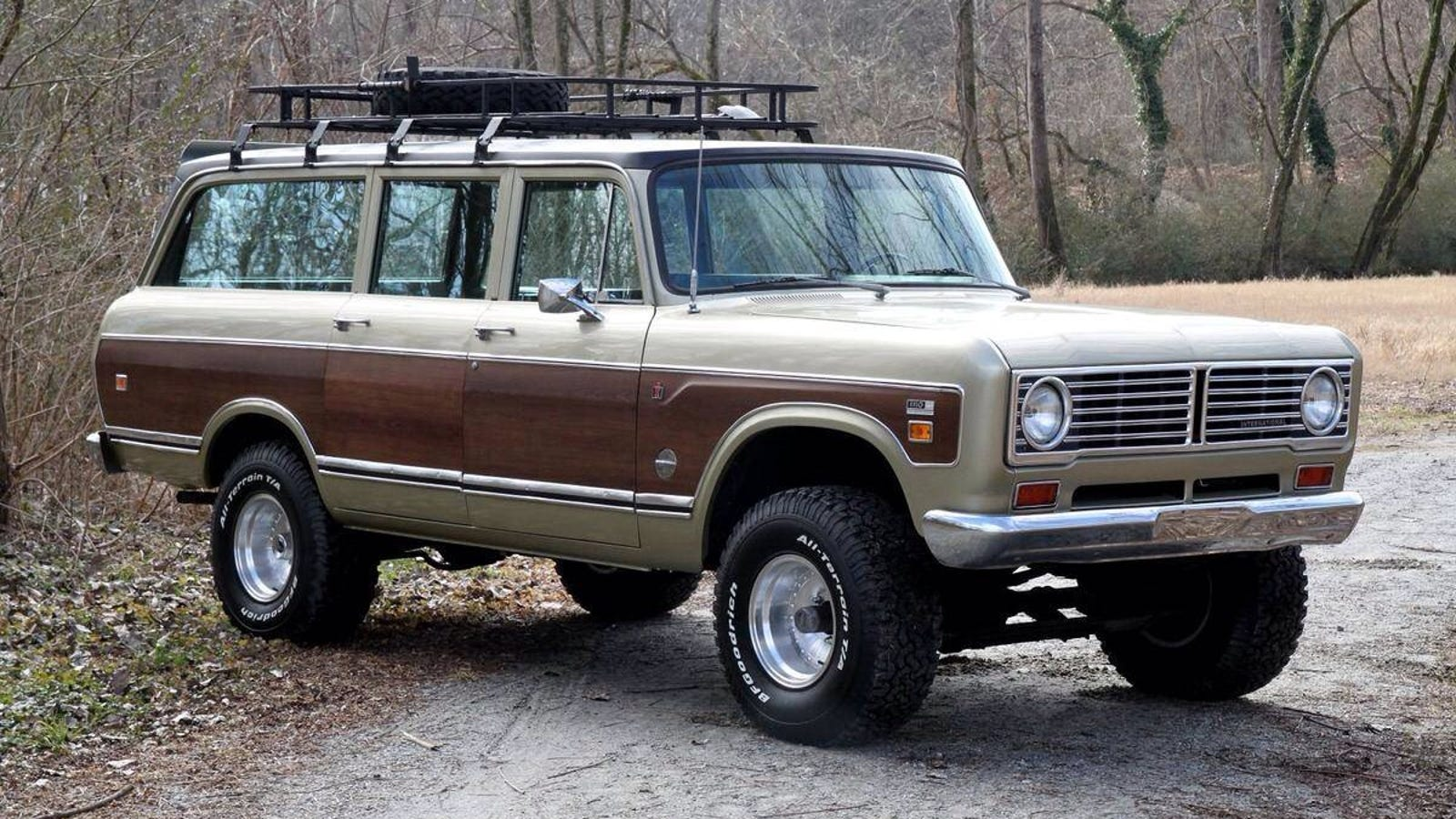 Below Average Cars 1973 International Harvester Travelall