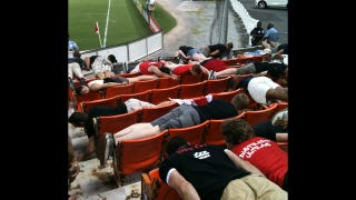 Illustration for article titled An Entire Section Of DC United Fans Planked At Last Night's Game