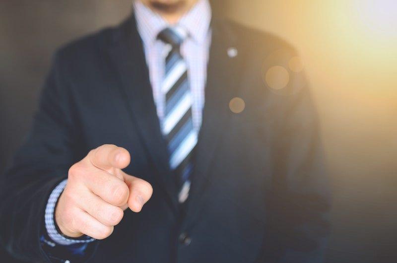 No tienes que dejar un trabajo inmediatamente si tienes un jefe malo.