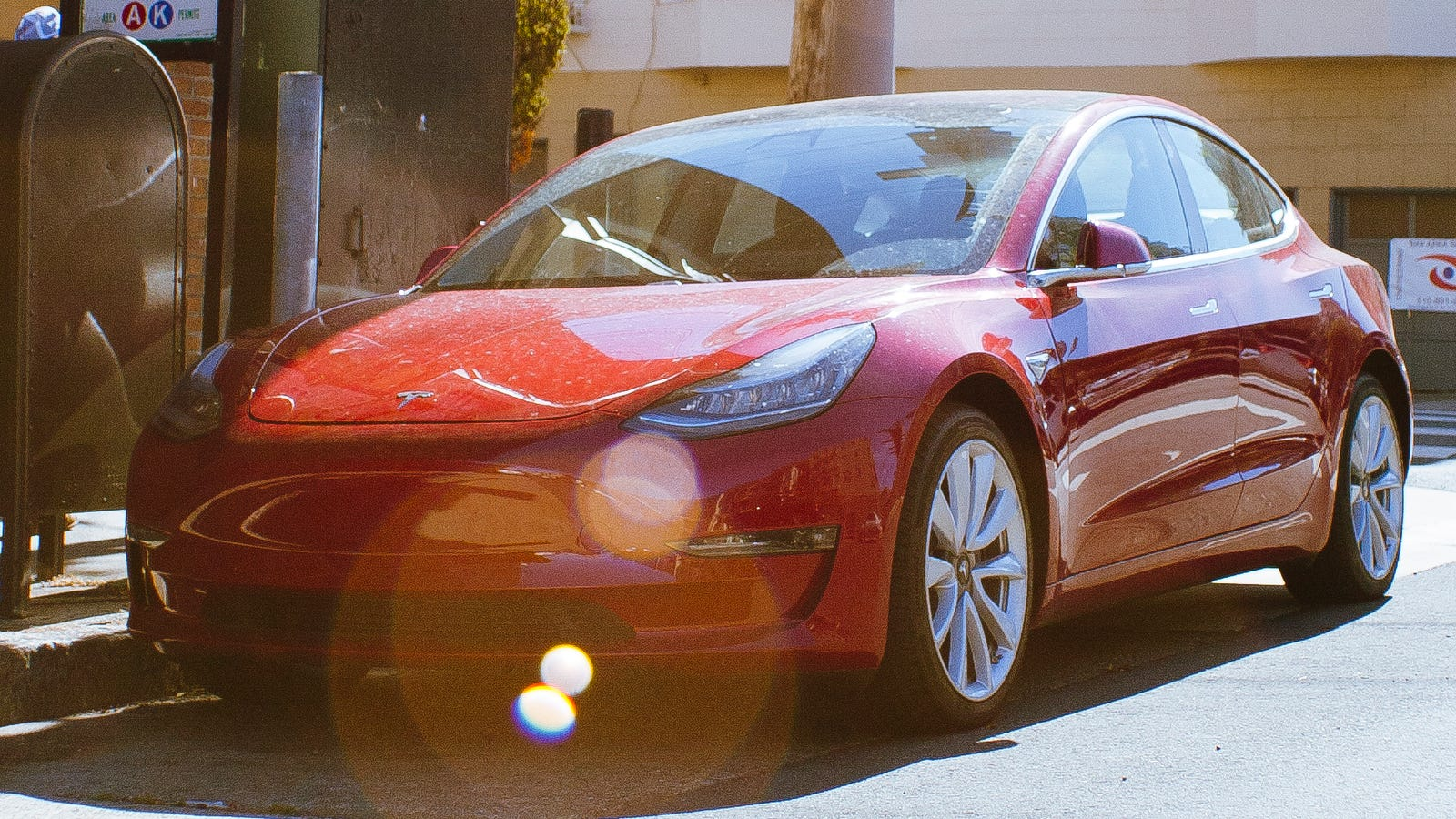 photo image Elon Musk Told Workers Tesla 'Would Allow' Them To Unionize If He Couldn't Make Them Safe: NLRB