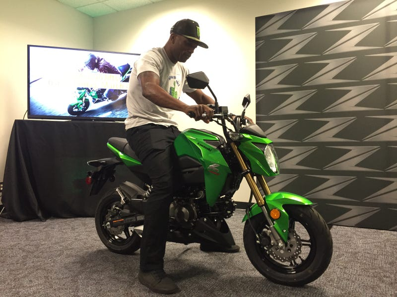 Kawasaki's Z125 Pro Grom-Fighter Is Coming To The U S  For