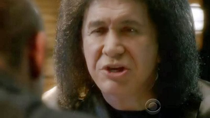 Illustration for article titled Gene Simmons apologizes, is a real asshole about it