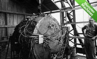 Illustration for article titled The Atomic Bomb's Golden Detonator