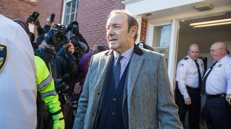 Illustration for article titled Kevin Spacey Will Not Face Criminal Charges For Allegedly Groping a Teenage Boy