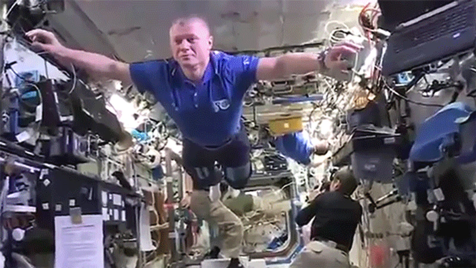 The Mannequin Challenge in Microgravity Puts All the Others to Shame