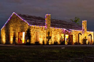 Illustration for article titled Texas Gave Us The World's Biggest Gingerbread House This Year