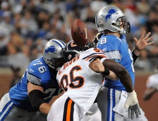 Illustration for article titled NFL Update: Back-up Quarterbacks Get Their Shot