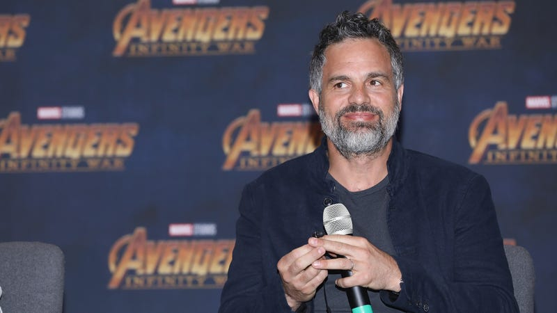 "Illustration for article titled Mark ""Loose Lips"" Ruffalo filmed a death scene in Infinity War because he can't be trusted"