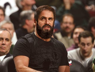 Illustration for article titled Mark Cuban Grows Huge Beard To Spite David Stern