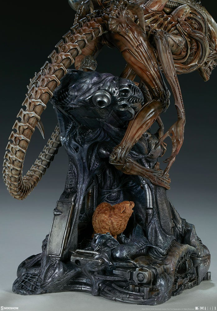 An Exclusive Look at Sideshow Collectibles' Mythos Alien Statue