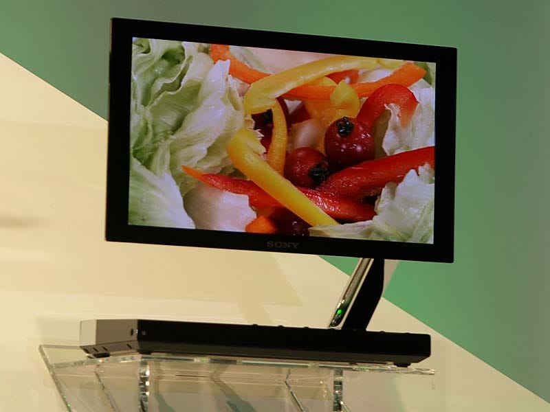 Illustration for article titled Sony's 3mm Thick XEL-1 OLED TV Finally Revealed, Japanese Launch this December