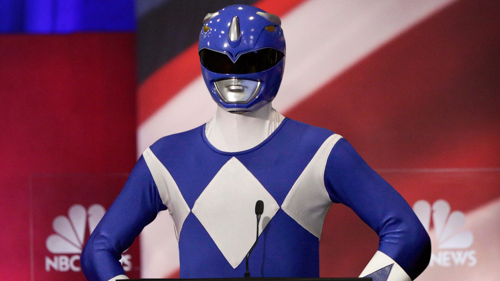 Tim Ryan Attempting To Stand Out From Other Candidates On Debate Stage By Wearing Blue Power Ranger Costume