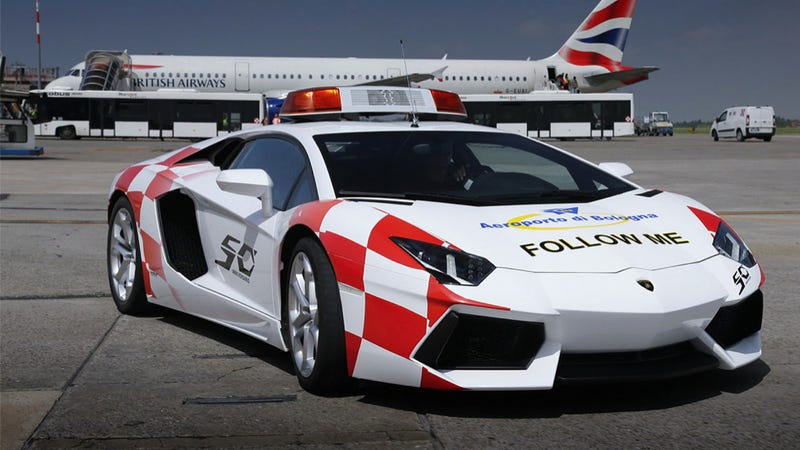 Illustration for article titled Lamborghini Aventador Now Being Used At Airport Because Why Not