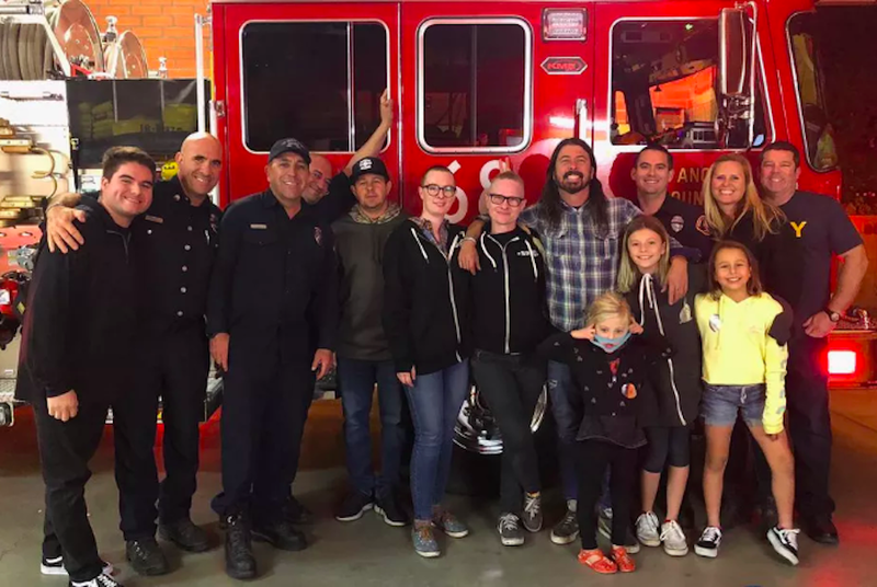 Illustration for article titled Dave Grohl launches new BBQ project by serving free brisket to California firefighters
