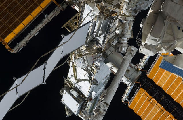 pic of telescope from space station - photo #46