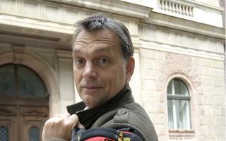 Illustration for article titled A Bors szerint Orbán hátizsákja befolyásolja az eurót, én megadom magam