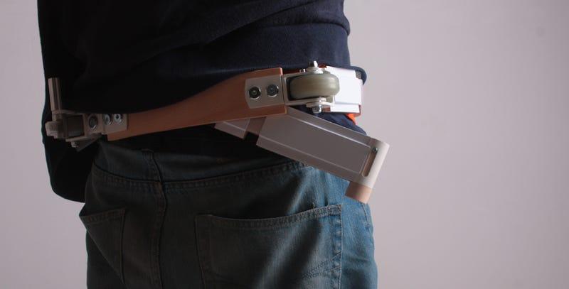 Illustration for article titled Este genial monopatín-cinturón debería fabricarse de verdad