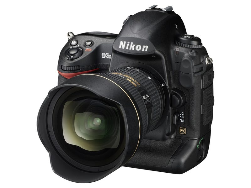 Illustration for article titled Nikon D3s DSLR Has Night Vision With 102,400 ISO (Yes, You Read That Right)