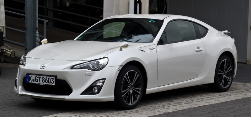 Illustration for article titled Toyota GT86 With Proper Mirror Placement