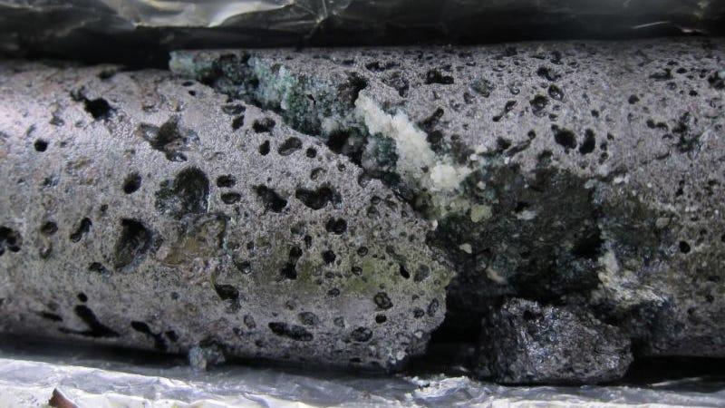 Carbon capture rock (Image: Annette K. Mortensen / University of Southampton)