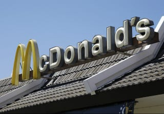 Illustration for article titled McDonald's Worker Wins $437,000 From NY After Cop's False Allegation