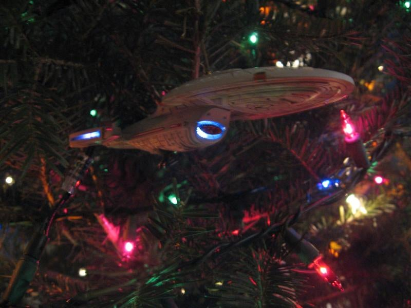 Best Xmas Tree Ever Has All The Sci-Fi Decorations You Can