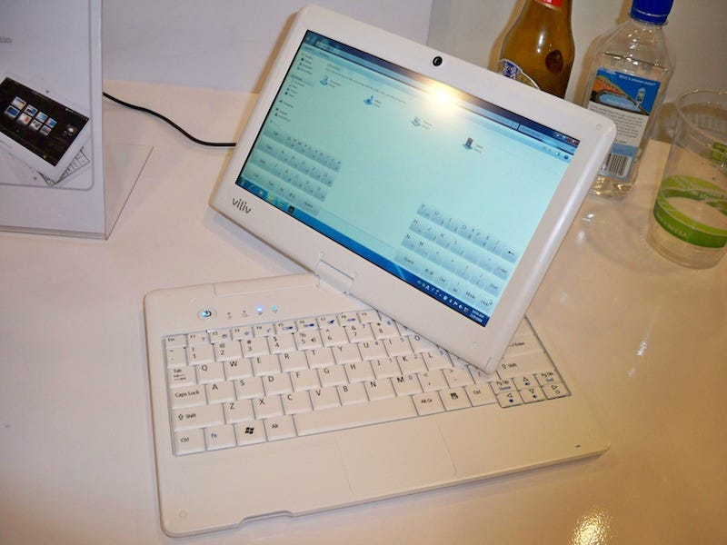 """Illustration for article titled Viliv's S10 """"Blade"""" Netbook Tablet Boasts 10 Hours of Battery Life and Windows 7"""