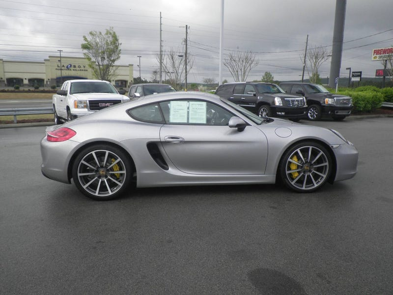 Illustration for article titled Damn. Someone took a bath on a '14 Cayman S at Carmax - Now $71k