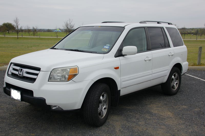 Illustration for article titled 2006 Honda Pilot EX, an Oppo Review