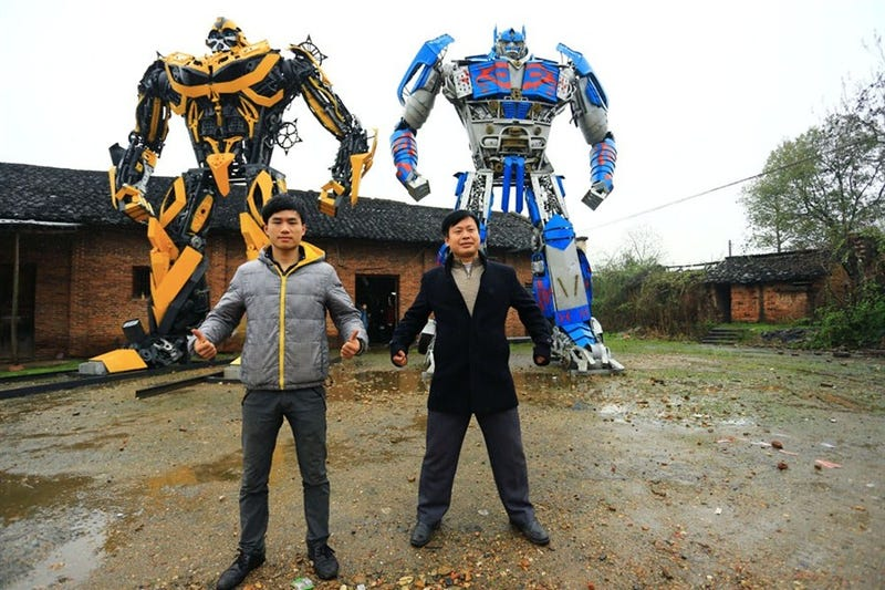 Illustration for article titled These Humongous Transformers Are Made Out Of Scrapped Car Parts