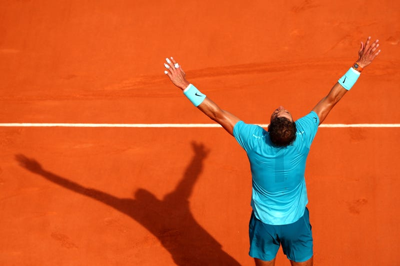 Illustration for article titled These Two Points Adequately Represent Rafael Nadal's Ridiculous Clay Season