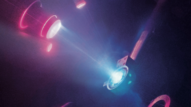 A laser pulse on a diamond anvil (Image: M. Millot/E. Kowaluk/J.Wickboldt/LLNL/LLE/NIF)