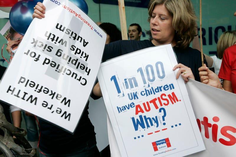 Anti-vaccine activists in the U.K. Image: AP