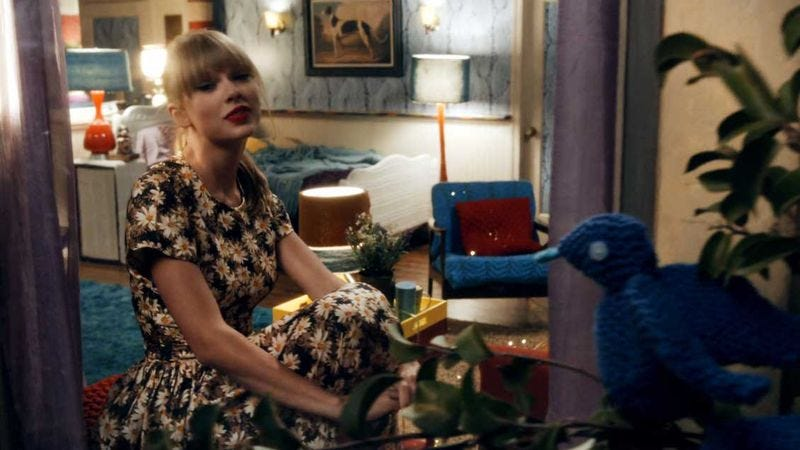 Illustration for article titled Taylor Swift made a Drake needlepoint, as Taylor Swift does