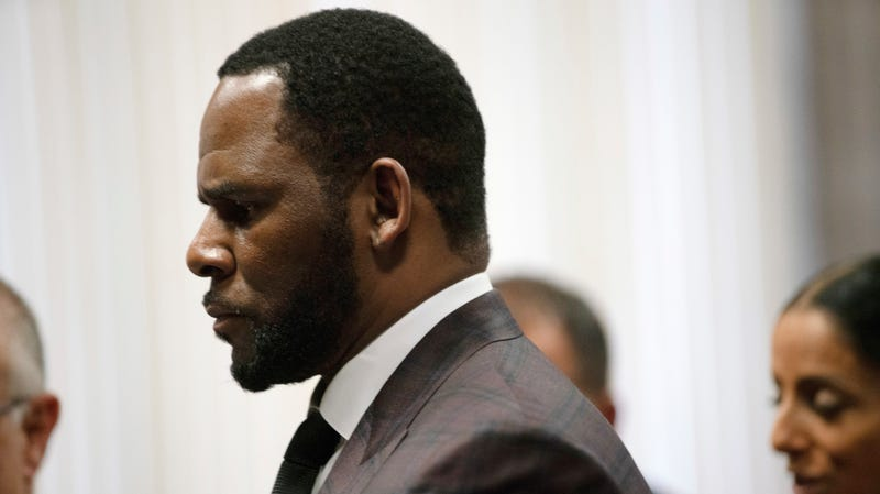 Illustration for article titled R. Kelly Arrested in Chicago on Federal Sex Crime Charges