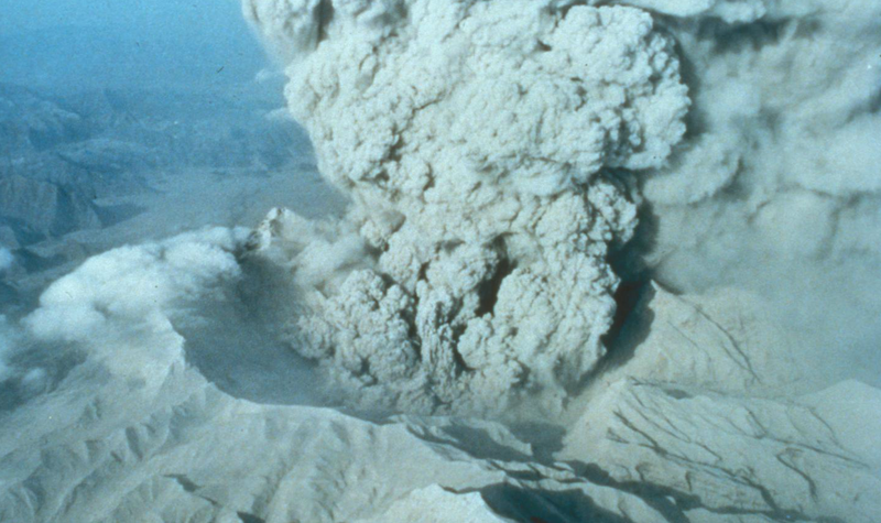 The smoking caldera of Mount Pinatubo on June 22, 1991. Image: USGS