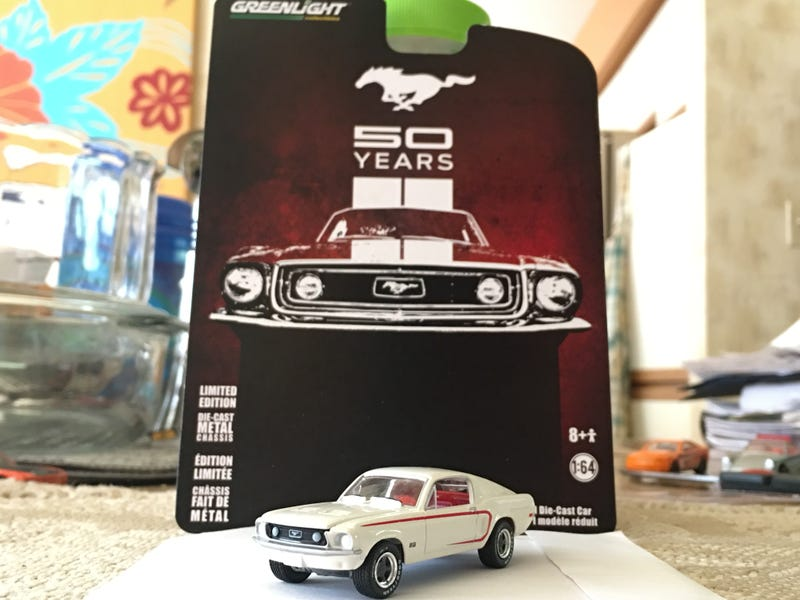"""Illustration for article titled Greenlight """"50 Years Edition"""" 1968 Ford Mustang GT 1:64"""