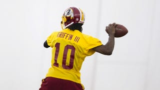 "Illustration for article titled DeAngelo Hall Says RG3 Is ""Light Years Ahead"" Of Rookie Michael Vick"