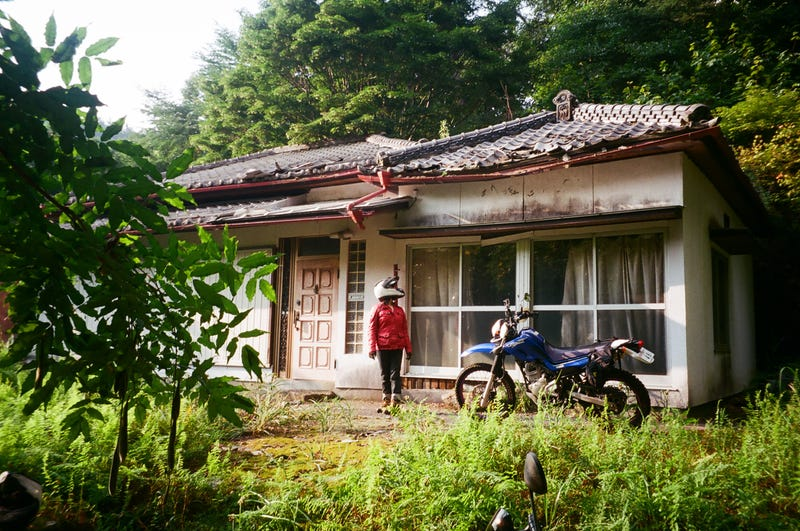 An abandoned home on the outskirts of Mt. Fuji, often referred to as Haikyo in Japan.