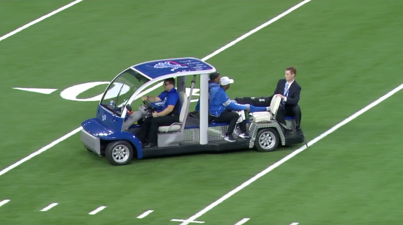 Illustration for article titled Lions' Jermaine Kearse Carted Off Field After Leg Injury [Update]