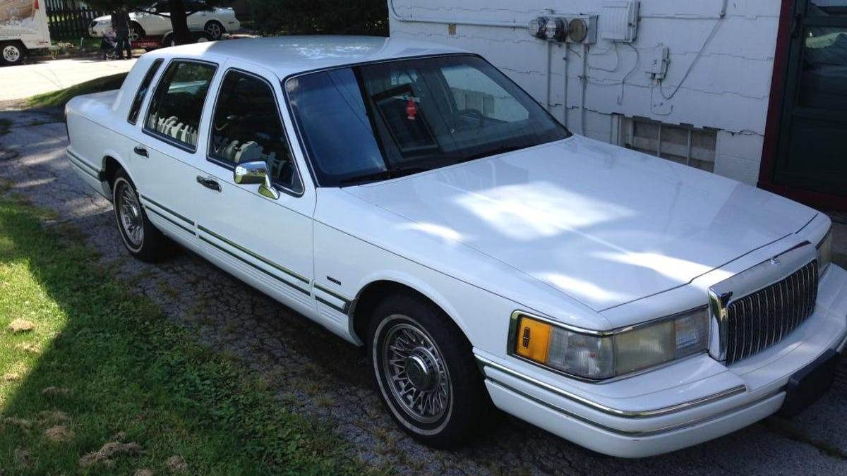 This Looking Lincoln Town Car Has Way More Than A Charger Hellcat