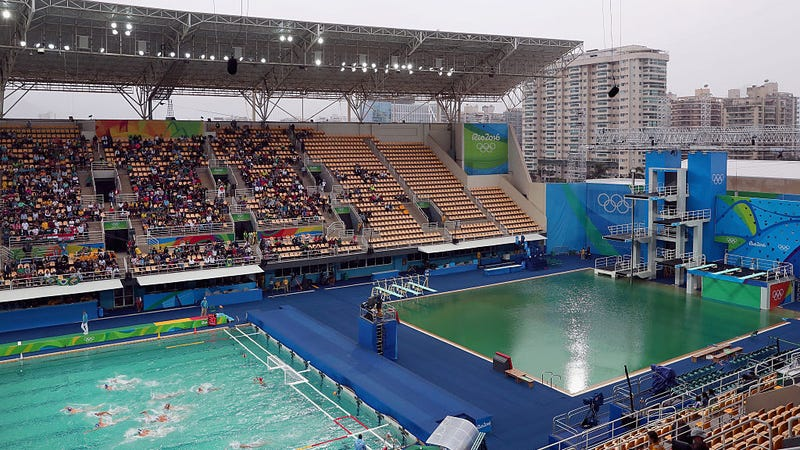 We finally know why the olympic diving pool turned green for Why does a swimming pool turn green