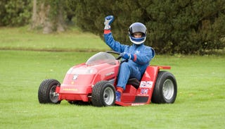 Illustration for article titled Lawnmower Aims To Set 100 MPH World Speed Record