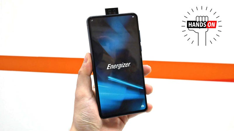 Illustration for article titled Energizer's Extra Juicy Phone Is Dumb Thick