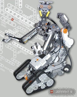 Illustration for article titled Johnny 5 Still Not Alive, But Now He's Got a LEGO Brother