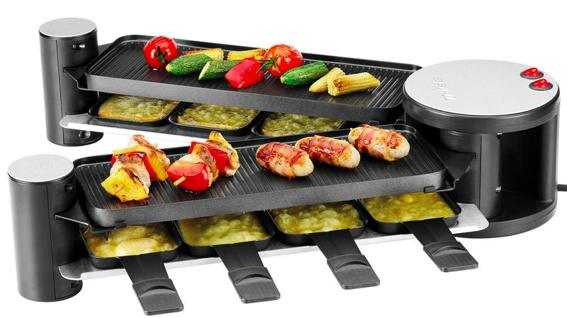 Illustration for article titled Compact Folding Grill Transforms Into a Spacious Buffet Of Piping Hot Goodness