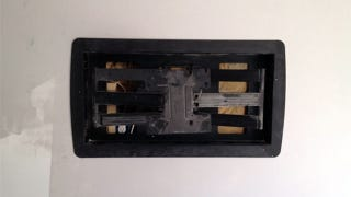 Illustration for article titled Actually Mount Your Flat Screen TV Flat Against the Wall with a Blocking Board