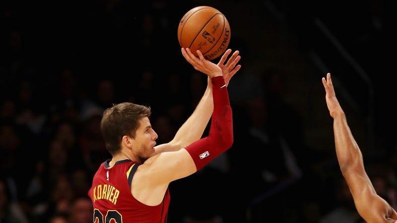 超越浪花兄弟!NBA官方:Korver的三分命中率,再次登頂全聯盟第1!