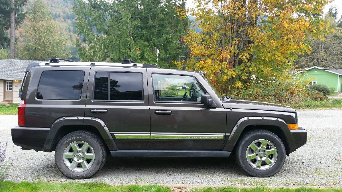 for $10,500, could this 2006 jeep commander limited command your