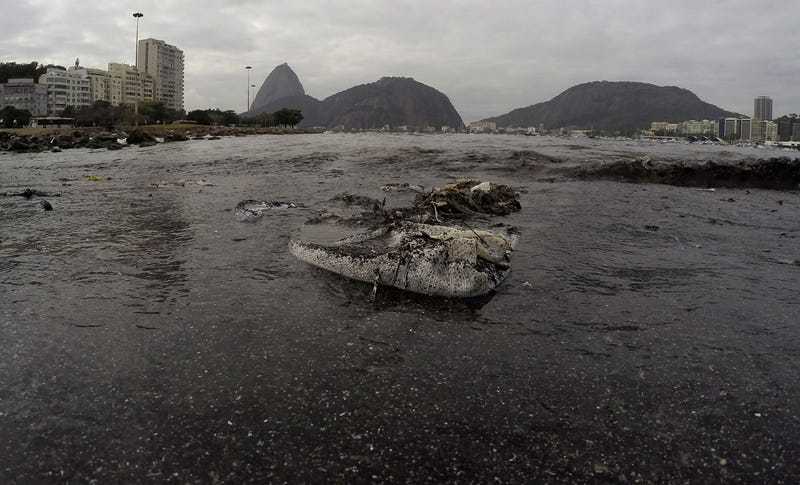Trash floating near Guanabara Bay, where athletes will compete during the 2016 Summer Olympics. Image: Leo Correa/AP